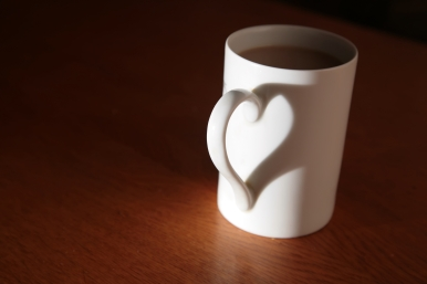 Mug with heart handle